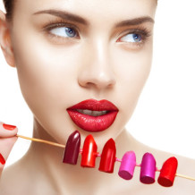 Sesuaikan Warna Lipstick Sesuai Dengan Warna Kulit Indahmu